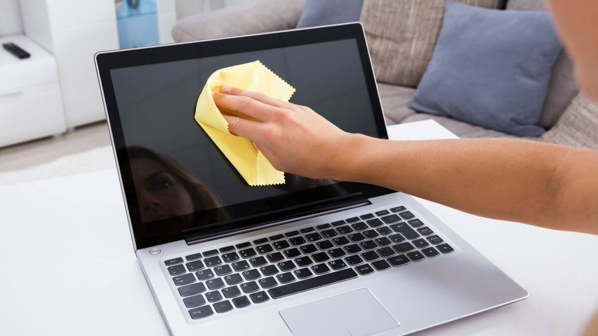 How to wipe a laptop securely before returning to the office